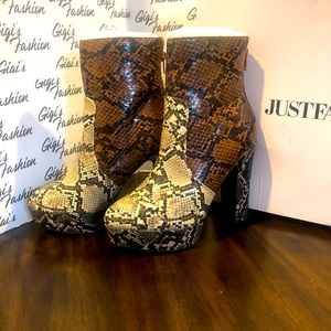 Women's Platform Boots